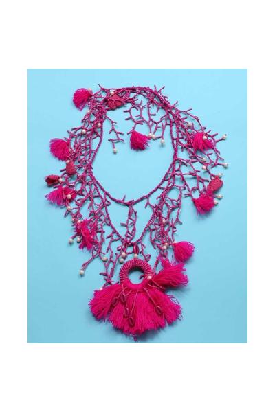 Ожерелье малиновое из бисера с бахромой 2019D2009-039 Antica Sartoria